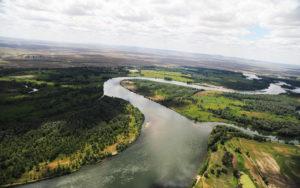 1402031079_reducing-amount-water-river-irtysh